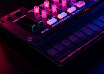 FM8: FM Synthesizer Native Instruments®